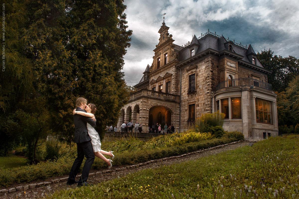 Brautpaar-Hochzeitsreportage-Weimar-Villa_Haar-01