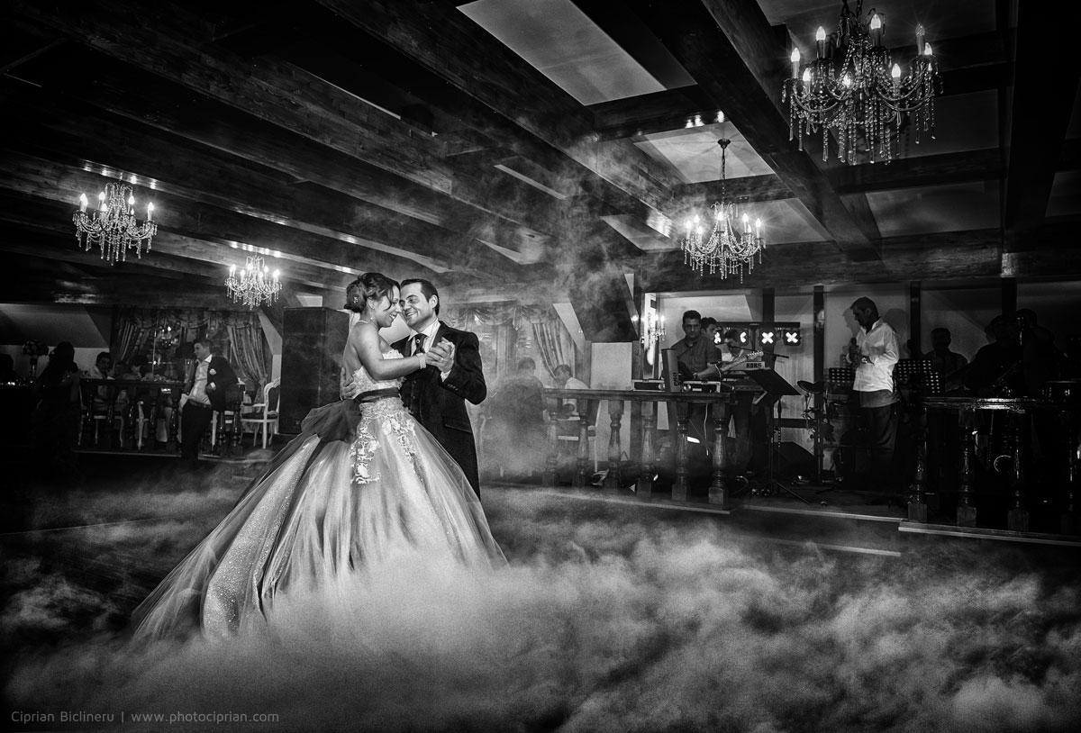 Hochzeitsfotografie-Brautpaar-Feier-01