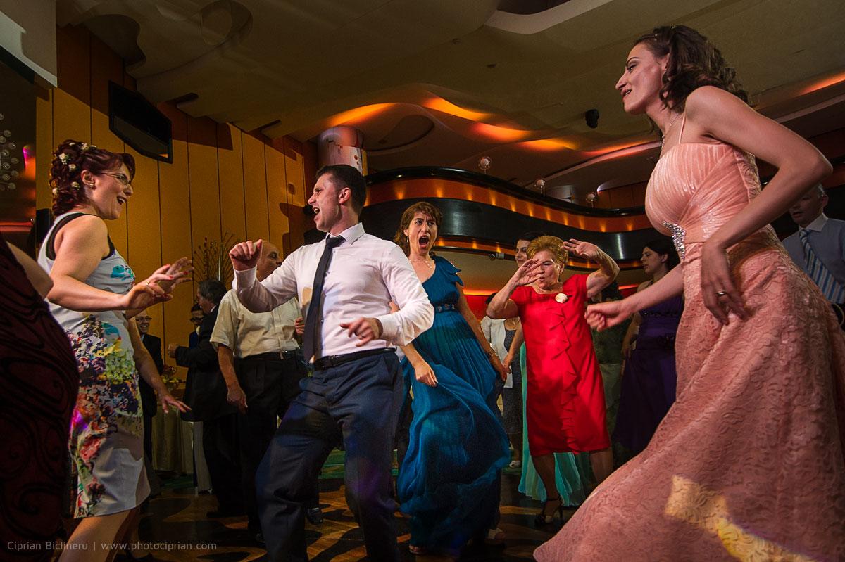 Hochzeitsfotografie-Brautpaar-Feier-03