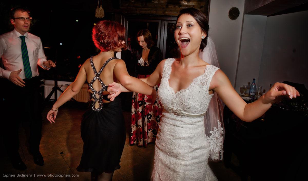 Hochzeitsfotografie-Brautpaar-Feier-17