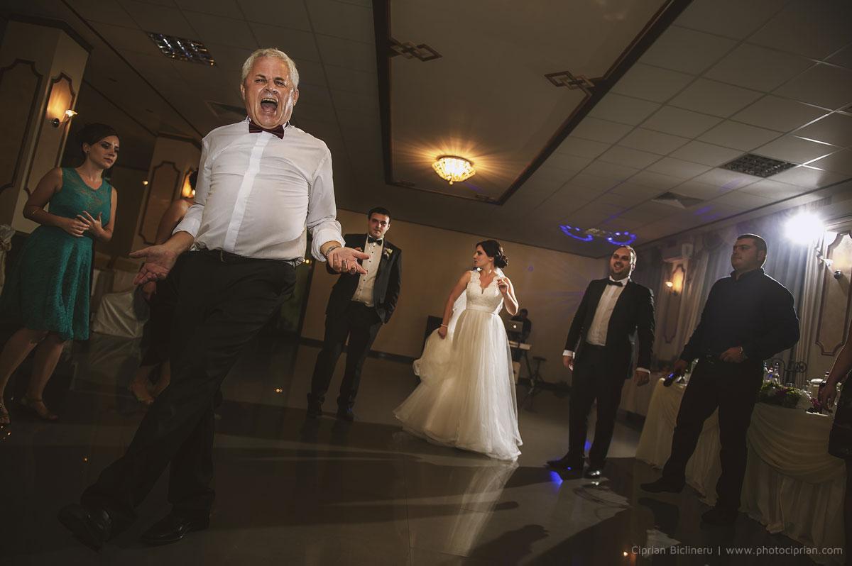 Hochzeitsfotografie-Brautpaar-Feier-19