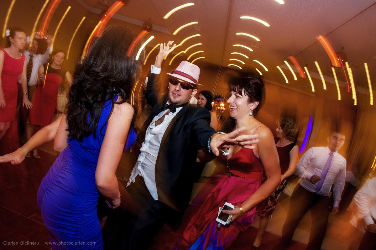Hochzeitsfotografie-Brautpaar-Feier-22