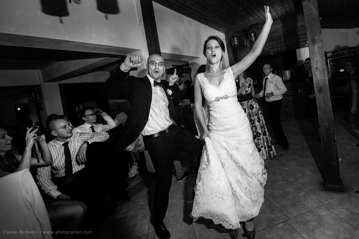 Hochzeitsfotografie-Brautpaar-Feier-25