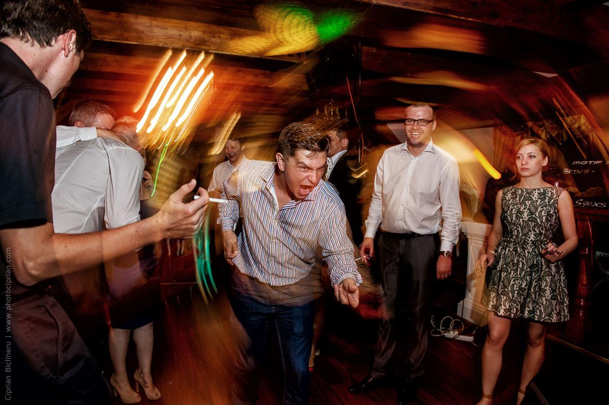 Hochzeitsfotografie-Brautpaar-Feier-28
