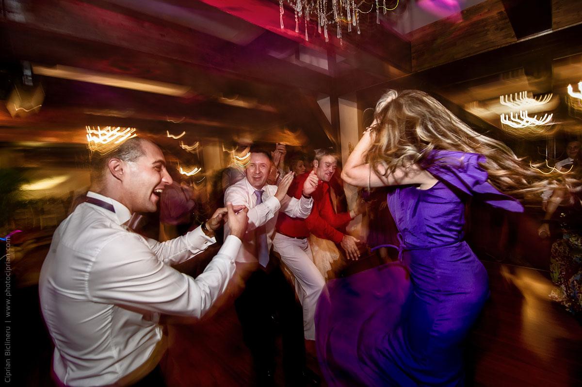 Hochzeitsfotografie-Brautpaar-Feier-29