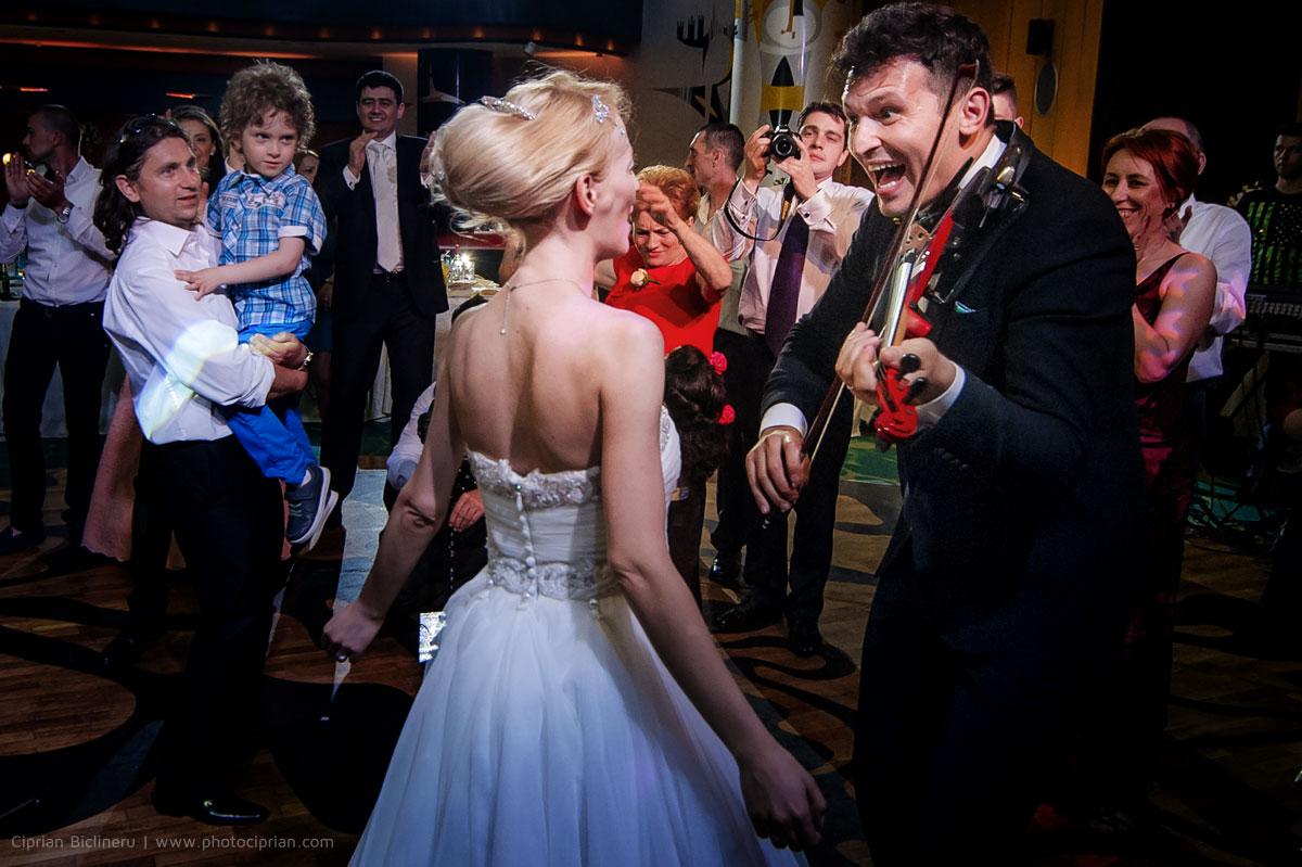 Hochzeitsfotografie-Brautpaar-Feier-32