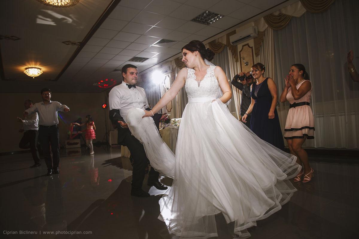 Hochzeitsfotografie-Brautpaar-Feier-36