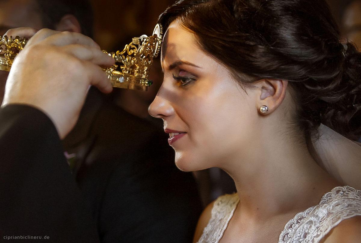 Orthodoxe Trauung mit goldene Krone