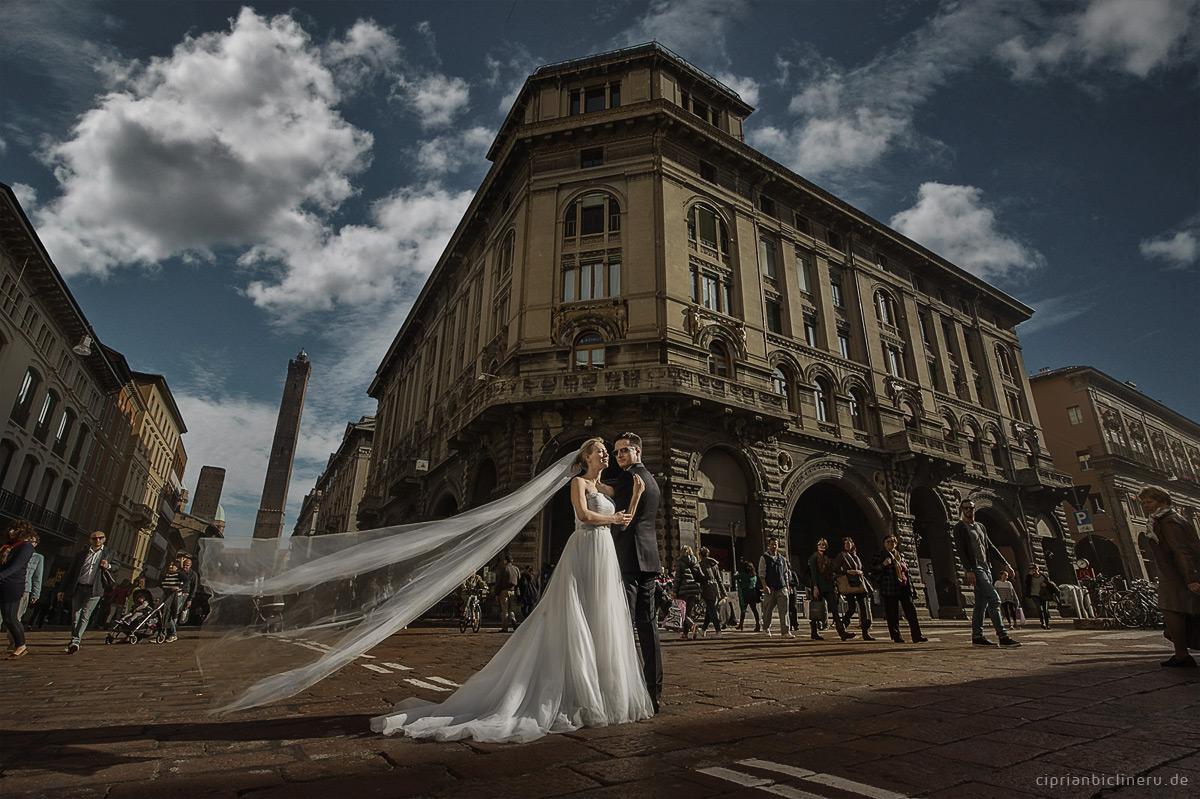Italien After Wedding Shooting in Bologna Altstadt