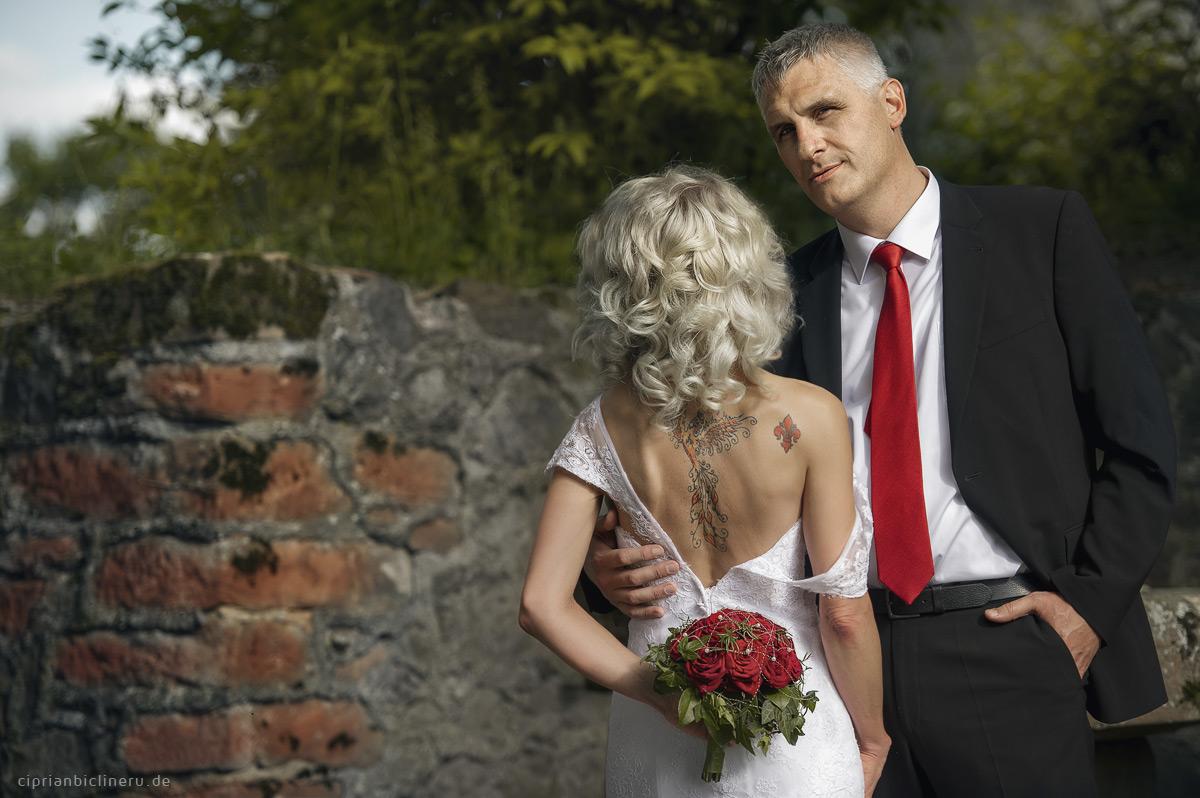Tätowierte Braut in Hessen