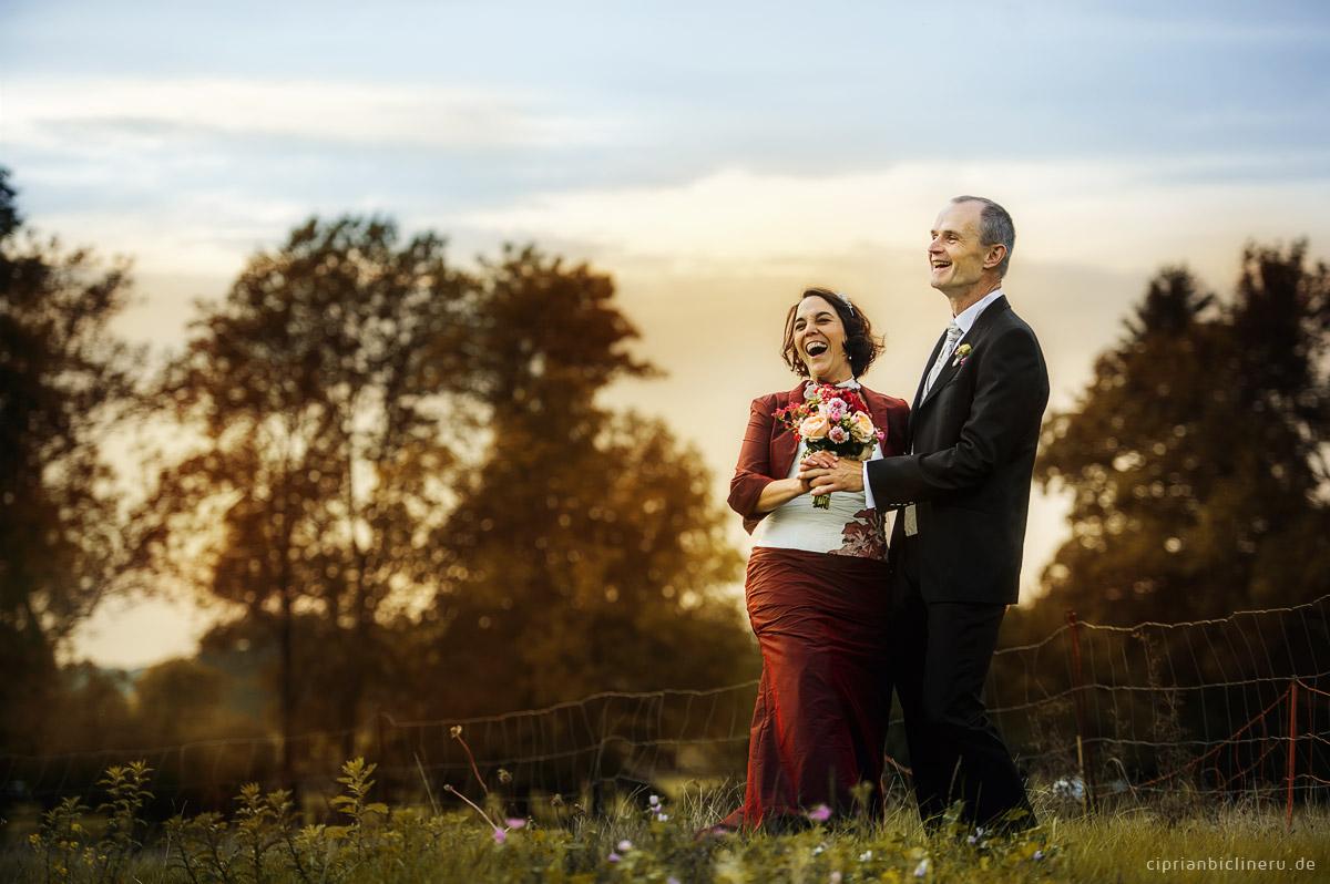 Lustige Brautpaarshooting in der nahe von Dresden bei Julius Kost