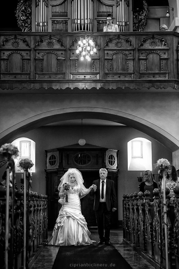 Wunderbare Hochzeit im Schloss Wolfsbrunnen 02