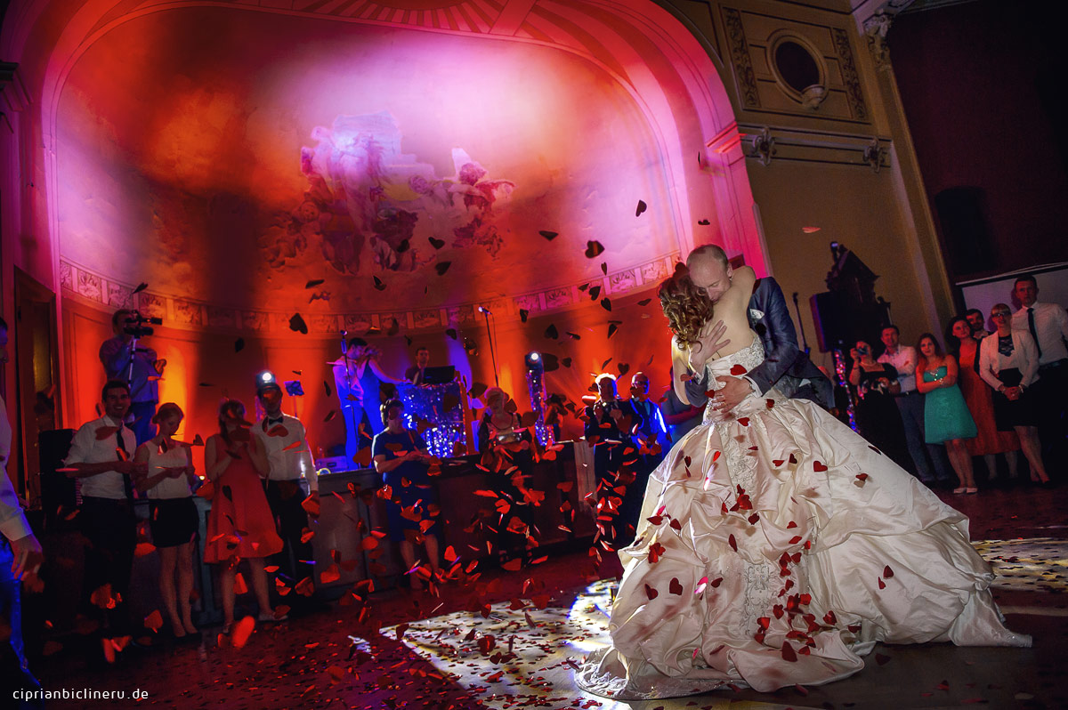 Hochzeitsfotografie in  Dresden erste Tanz