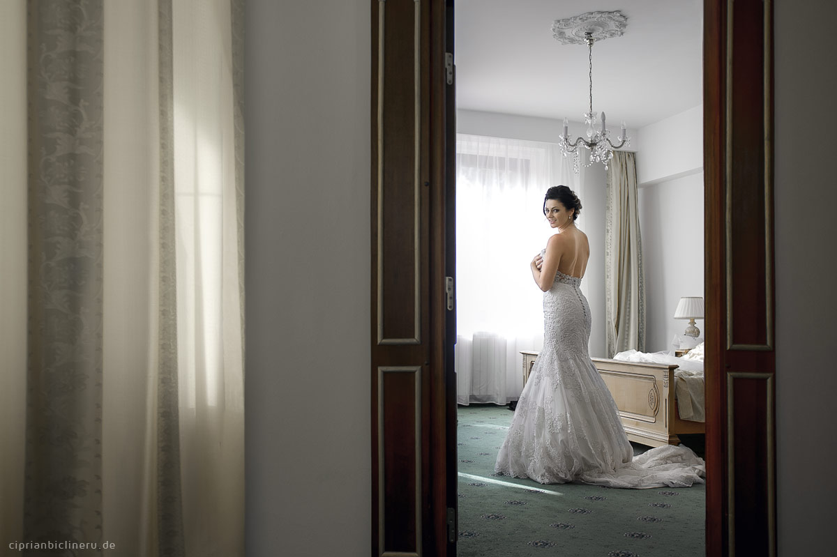 Erstaunliche Luxus Destination Hochzeit in Europa - Braut Vorbereitung