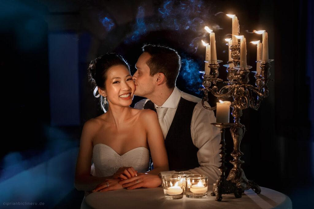 Wundervolle vertraute Hochzeit auf Schloss Vollrads am Ufer des Rheins mit einem coolen deutschen Bräutigam und einer wunderschönen koreanischen Braut