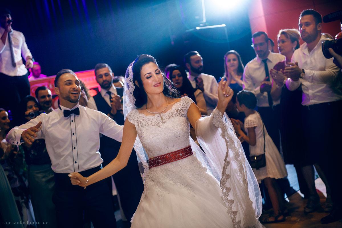 Eine wundervolle farbenfrohe Türkische Hochzeit in Karlsruhe