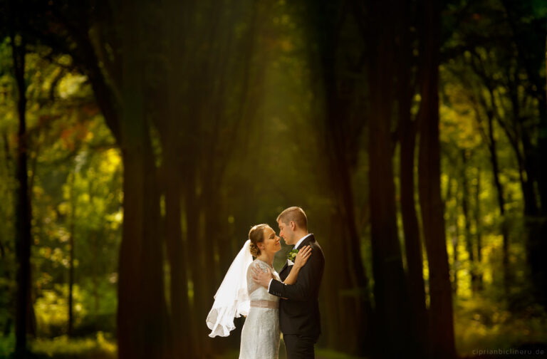 Hochzeit in Brühl und Brautpaarshooting auf Schloss Augustusburg