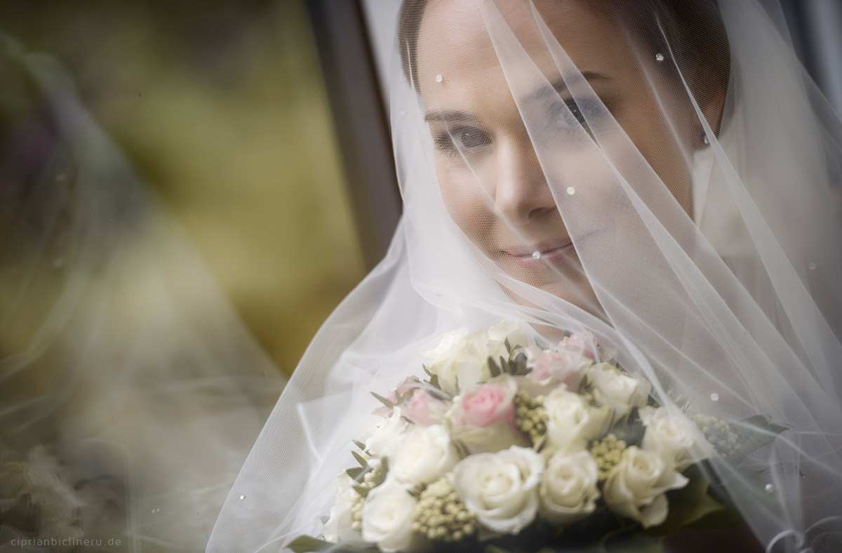 Hochzeit in Brühl und Brautpaarshooting auf Schloss Augustusburg und Feier im Kaiserbahnhof 03