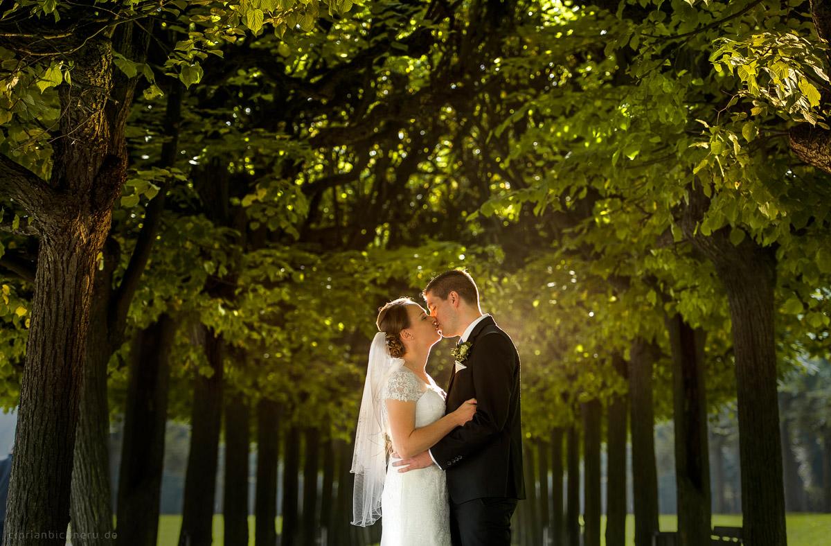 Hochzeit in Brühl und Brautpaarshooting auf Schloss Augustusburg und Feier im Kaiserbahnhof 12