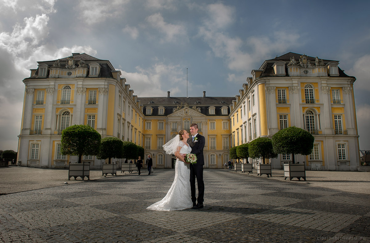 Hochzeit in Brühl und Brautpaarshooting auf Schloss Augustusburg und Feier im Kaiserbahnhof 17