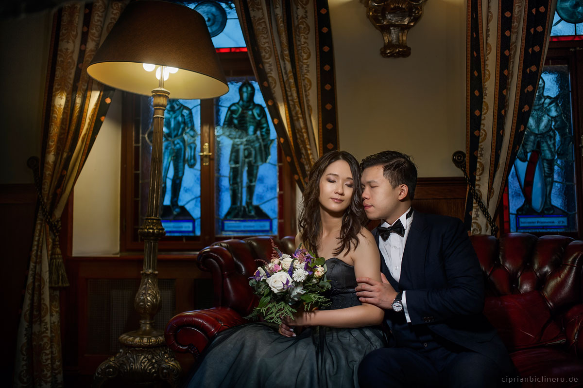 Pre wedding in Prague in a rainy November day 29