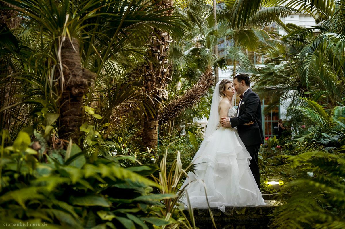 Brautpaarshooting in Palmgarten in Frankfurt am main von Hochzeitsfotograf Frankfurt
