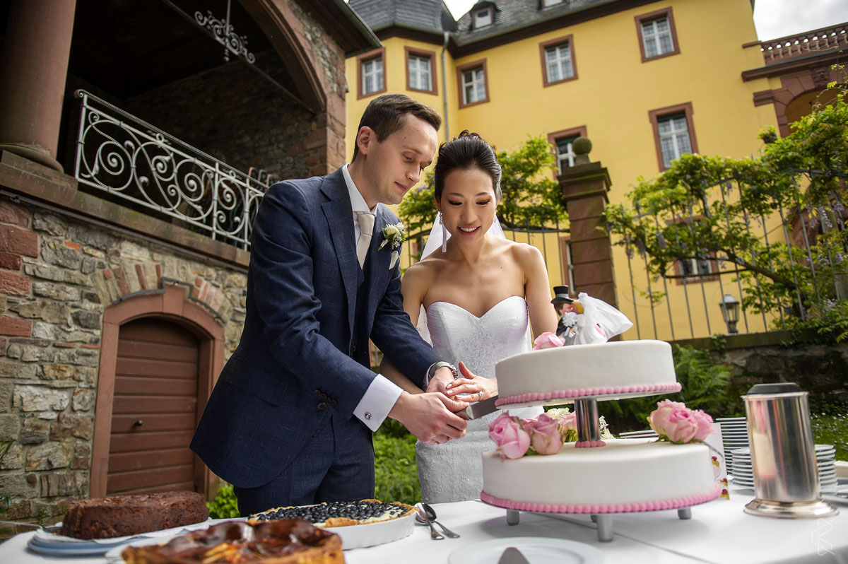 Destination Wedding at Vollrads castle in Germany