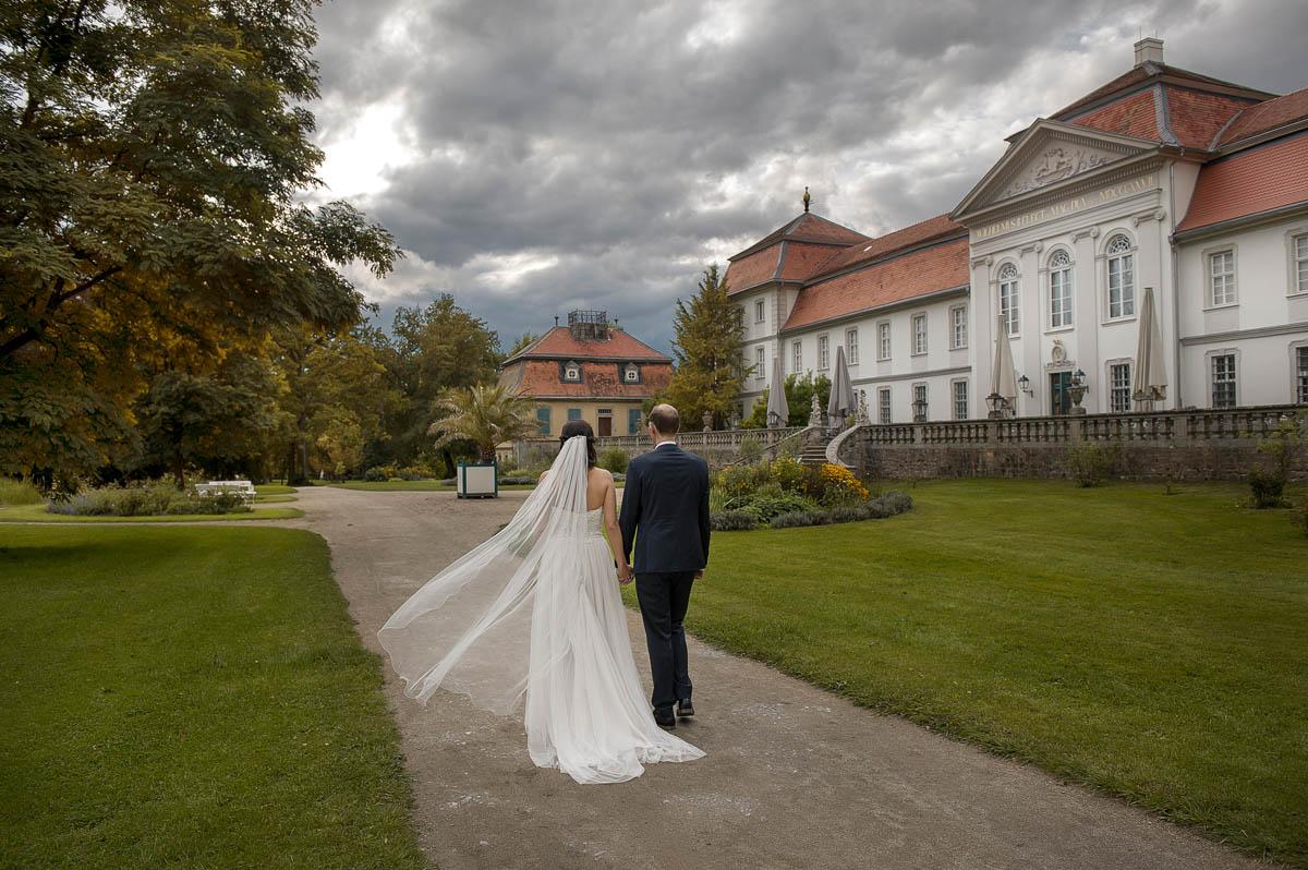 Hochzeitsfotograf Fulda. Brautpaarshooting im Schloss Fasanerie