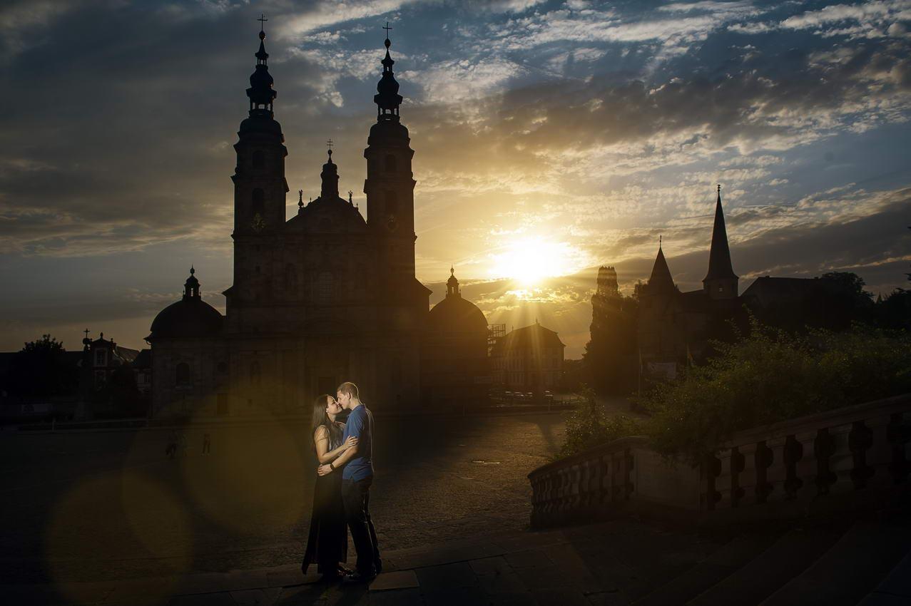 Verlobungsshooting im Fulda bei Sonnenuntergang