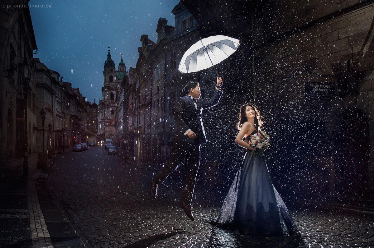 Pre wedding in Prague in a rainy November day