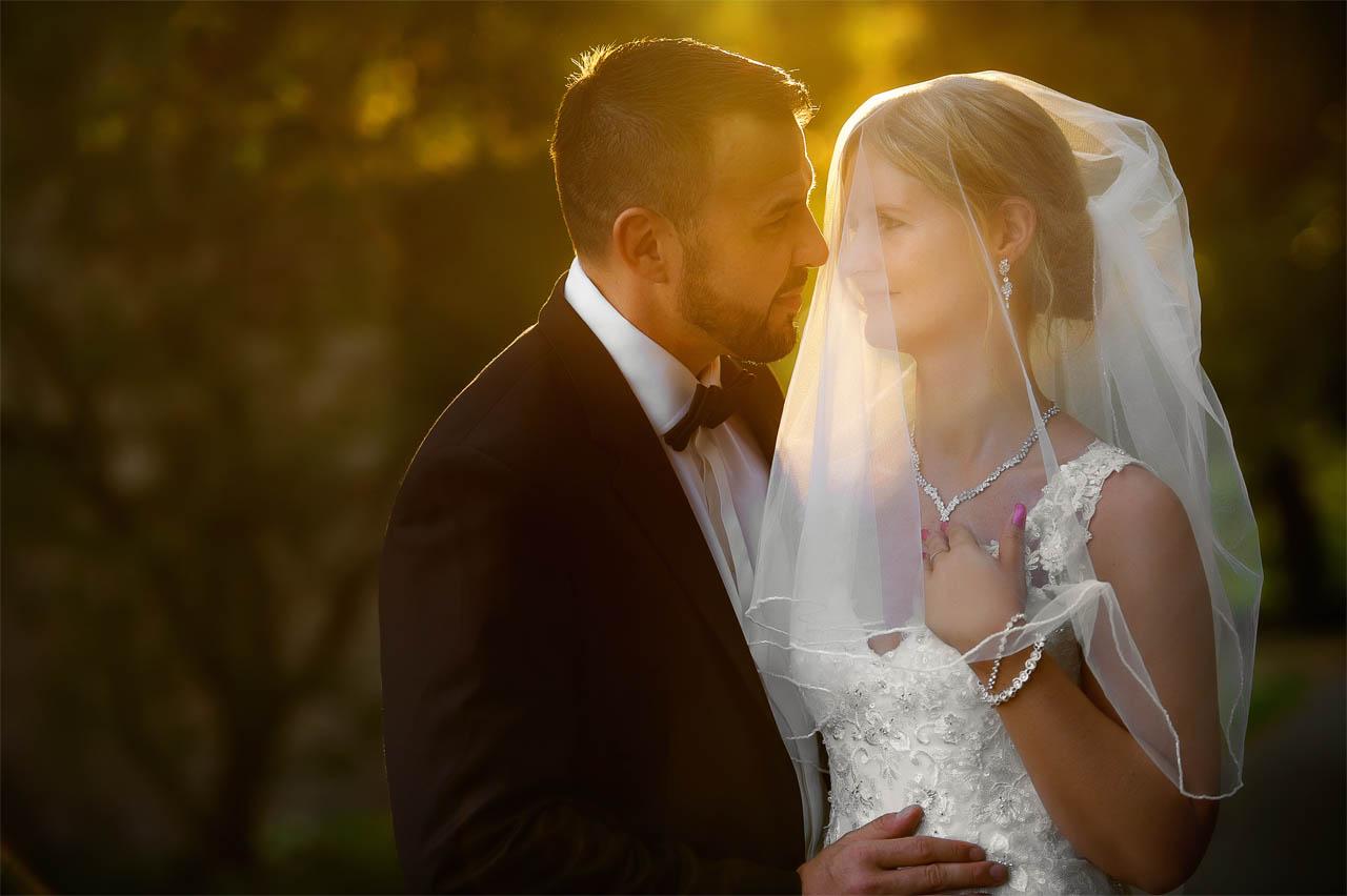 Brautpaarshooting am Nachmittag zur goldenen Stunde