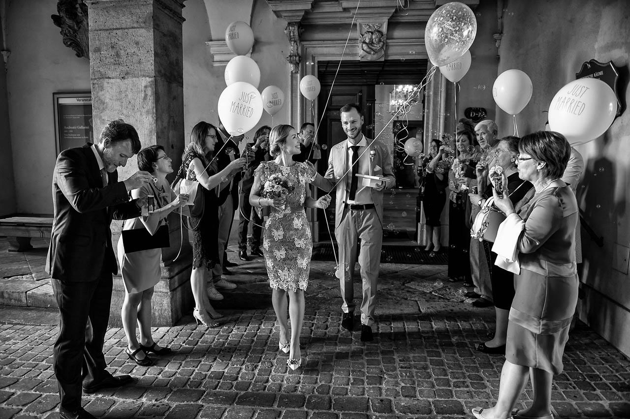 Brautpaar Eltern und Gäste im Stadtschloss Fulda