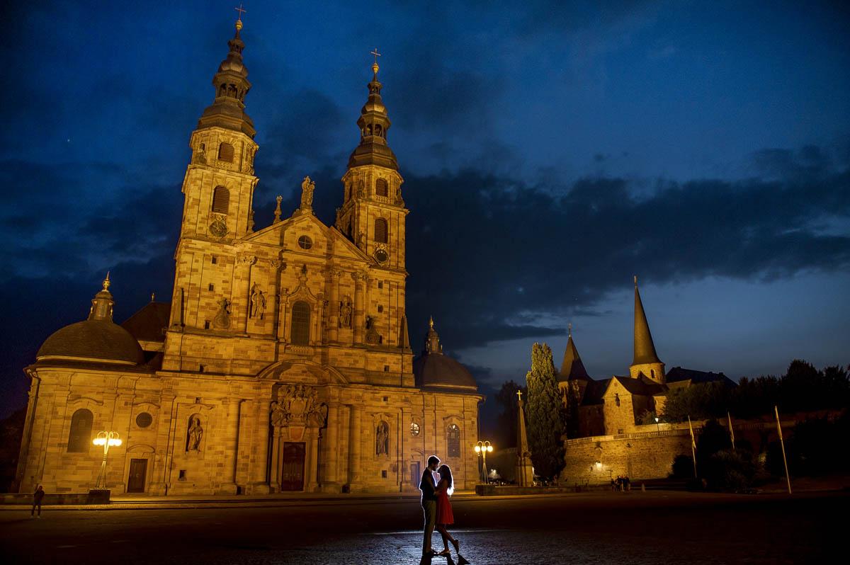 Verlobungsshooting in der Nacht in Domplatz Fulda
