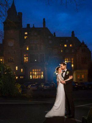 Heiraten in Schlosshotel Kronberg. Brautpaarshooting in der Nacht im Königstein